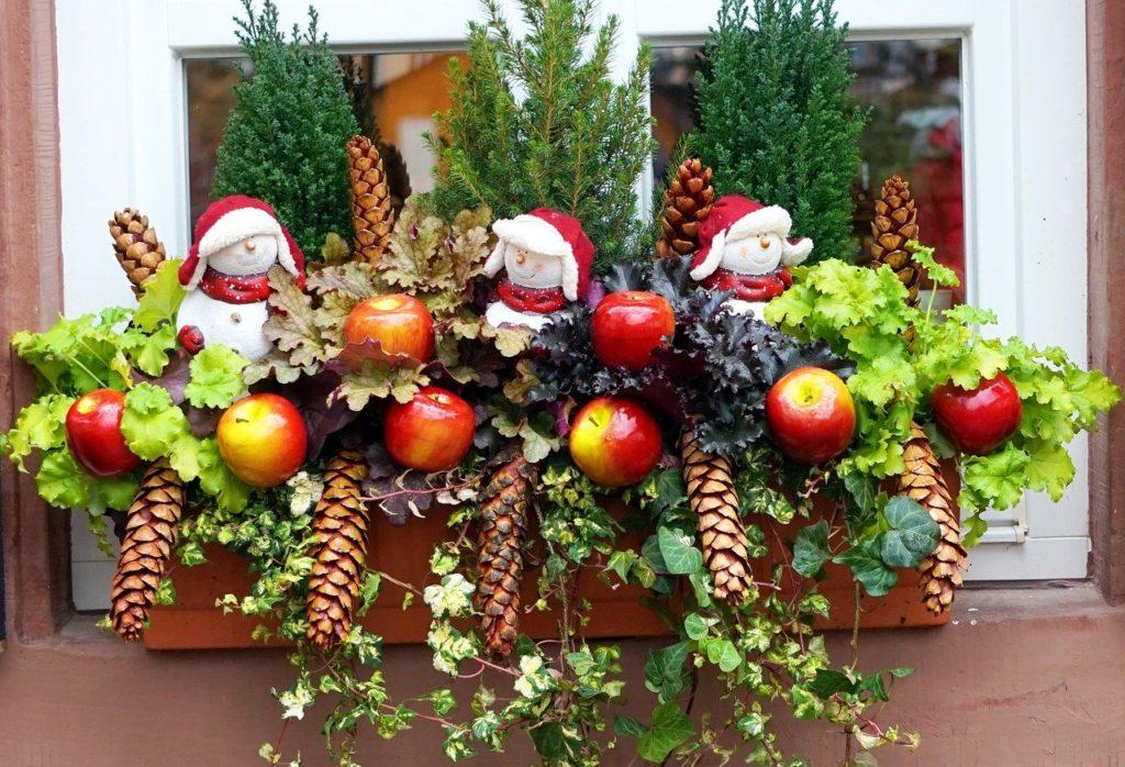festive window box